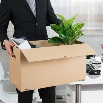بسته بندی وسایل شرکت